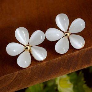 boucle d oreille mariage doré fleur nacree