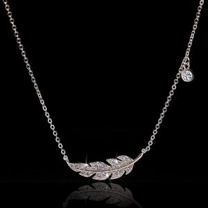 collier mariage plume
