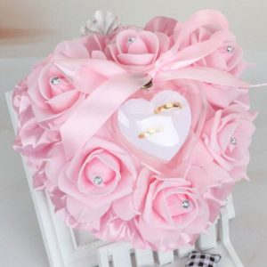 coussin alliance mariage coeur rose