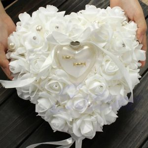 coussin alliance mariage coeur blanc